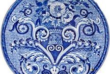 BLUE & WHITE CHINA~~PORCELAIN / Blue and white loves / by Charlotte Pawlak