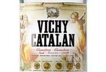 Vichy Catalan / Vichy Catalan es una marca mítica entre las aguas minerales europeas. Su genuino sabor y sus indiscutibles propiedades minero-medicinales constituyen su sólido prestigio entre consumidores y profesionales de la gastronomía.