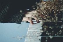 piano. / ✧・゚: *✧・゚:* ⓜⓔⓢⓢⓐⓖⓔ ⓐ ⓒⓞⓩⓨ ⓑⓛⓐⓝⓚⓔⓣ ⓣⓞ ⓙⓞⓘⓝ *:・゚✧*:・゚✧ // feel free to add your friends, but please don't add sections!