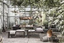 MAISON / Welcome to our french backyard! The MAISON colour palette is both rustic and feminine. Subtle shades of pink, mauve and plum are combined with faded browns and greys. Occasional metallic details bring a touch of elegance and a classic feel. The style comes to life by mixing unrefined materials inspired from both the rustic countryside style, as well as the industrial trend, with a feminine, romantic summer theme.