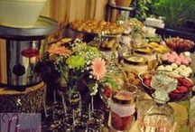 Fuentes de chocolate / Nuestros Candy Bar mas dulces, en estos incluimos fuentes de chocolate y una amplia variedad de dulces!!