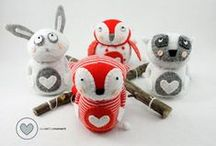 Sewinthemoment Sock Dolls / The journey of a creative girl who loves to sew. Sewinthemoment is all about Sock Dolls. Designing sock dolls, animals and beginner friendly patterns