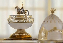Antique Jewels  / Cada Joya antigua, irradia su belleza e Historia / by R. E.