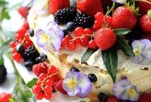 Les desserts de quatre saisons au jardin / by Crystal Ancenay de Luca