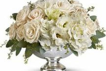 Wedding Decor Ideas & Cake Flowers / Wedding décor ideas for reception indoor and outdoor setting, Images of wedding cake flowers.