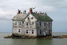 Lugares abandonados / Fotógrafos registram os 35 lugares abandonados mais bonitos do mundo / by Dayse Amaral Dias