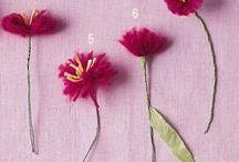 Kwiaty z różnych materiałów/Flowers