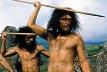 Paléolithique inférieur (-1 MA à -300 000 ans) Olowayen et Acheuléen / 1° et plus longue période de la Préhistoire. Correspond en géologie au Pléistocène. Chasseurs-cueilleurs. *Homo-Erectus *Homo-Sapiens Heidelbergensis (TAUTAVEL).