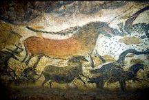Solutréen (-22 000 à -18 500) Paléolithique supérieur / Dernier maximum glaciaire. Nord de la France sans doute abandonné par l'homme. Culture propre au sud de la France et à l'Espagne. Taille de silex en feuille de laurier, art pariétal (LASCAUX). Aiguille à chas et propulseur.
