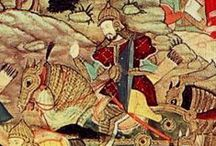 Champs Catalauniques (451) Bataille de Châlons en Champagne / Date: 20 juin 451, aux environs de Troyes, Champs Mauriaques. Issue indécise, suivie du retrait d'Attila au delà du Rhin. Belligérants: *Armée de l'Empire romain et ses fédérés (Wisigoths, Alains, Sarmates, Francs Saliens, Saxons). Commandants: AETIUS, THEODORIC 1°, MEROVEE, GONDIAC, SANGIBAN (2500 hs) - *Les Huns et peuples soumis (Ostrogoths, Gépides, Hérules, Skires, Taifales, Alamans, Souabes, Francs ripuaires, Thuringiens). Commandants: ATTILA, VALAMIR, ARDARIC, BERIK (2500 hs).