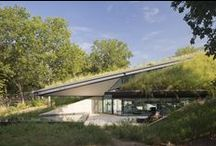 woonhuizen - in de natuur / Woonhuizen geïntegreerd in een natuurlijke omgeving.