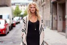 Streetstyle dresses / Wat dragen echte vrouwen? Hoe zien zij eruit? Het wordt vastgelegd door bloggers en trendwatchers. De mooiste jurkjes, gewoon gedragen op straat, vind je op dit board. Laat je op ideeën brengen!  / by Dresses Only
