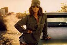 Army Girl / Armygreen, legerlooks, camouflageprints, stoere caps en accessoires: een tough lady laat dit najaar haar tanden zien en omarmt de armylook... Meer dan vorig jaar zijn op het leger geinspireerde looks vrouwelijk en soft. Maak je eigen mix!  / by Dresses Only