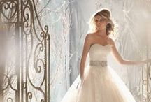wedding dress / wedding dresses to find the right wedding dress for you, search by wedding dress designers, styles and more.