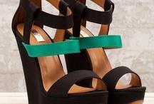 Enlazadas / Deja que la sensualidad arrope tus pies.