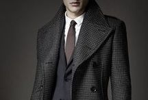 Men's Coats / When the rain comes down in sheets and the wind picks up, if the well-dressed man wants to stay clean and dry he will reach for a trench coat. The trench has a long and storied history and is a staple of any modern man's wet weather gear.