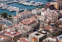 Alicante City / This city is also the capital of Alicante Province. Because of its enticements and charms, the city has moved many a writer and poets to immortalise it in devoted words.
