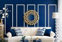 Синий цвет в интерьере   Dark blue color in interior / Синий цвет придает интерьеру изысканность, таинственность и благородство. Как утверждают психологи, этот цвет оказывает на человека расслабляющее действие, снимает душевное напряжение и усталость. Медицина советует использовать его для снятия агрессии и восстановления нервной системы, для установления гармонии с самим собой и миром. Но использовать его в интерьере – непростая задача.