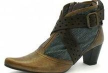 Zoom sur MYMA / Les chaussures pour femme MYMA comptent parmi les marques les plus importantes de l'héxagone en chaussures pour femme.Trenzia a donc logiquement décidé de vous proposer les collections femme MYMA en sélectionnant pour vous les plus beaux modèles de la marque..