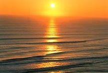 Zonsondergang & Sonnenuntergang & Sunset - Anders Style / Zonsondergangen, een feest van kleuren  De magie die in de hemel gereflecteerd wordt op het moment dat we deze bewonderen laat  een zeer  diep energetisch spoor in ons wezen achter die onze ziel en geest zal voeden om ons te helpen meer te voelen en ons met Liefde te vervullen.