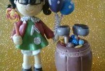 TOPO DE BOLO INFANTIL / Topos para bolos de festas infantis. Feitos de biscuit e outros materiais duráveis e lindos. Além de enfeitarem o bolo na festa também se tornam uma lembrança de uma data tão especial.
