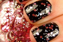 Nifty Nails / by Marnie Ivanich