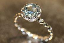 jewels / Social loves bling.