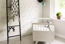 Kids room Black & White / Wie zegt dat een kinderkamer veel kleur moet hebben...? Black & white is helemaal hip! Hier vind je de leukste accessoires in het zwart-wit, voor een krachtige, maar toch ook frisse en speelse sfeer!