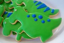 < Happy dino party > / Ideas to make a dino party: Decoration, chocolate eggs, dinosaur cake, costumes, drinks and more!