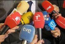 Articles sobre llengua / Recull d'articles publicats als diaris sobre sociolingüística i contacte de llengües.
