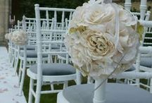 Pomander/Kissing Ball Hire / Ivory silk, mixed flower pomander or kissing balls for hire. These ivory pomanders are 17cm in diameter and perfect for hanging in trees, lining the aisle, as part of your decor as even on a vase as a centrepiece.