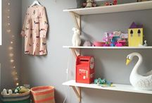 KIDS ROOMS / by Danielle Trovato