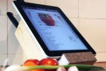 DIY Messerblock mit Tablet-Ablage / #DIY Messerblock mit Tablet-Ablage: Ein prominenter Anbieter von Luxus-Messern hat's vorgemacht – wir machen's nach. Denn einen Messerblock mit Tablet-Ablage kann man günstig und schnell selbst bauen. Da macht das Kochen doppelt Spaß. Denn Sie haben Ihre Rezeptsammlung immer parat – ohne dass Ihr Tablet in Mitleidenschaft gezogen wird. / by Immonet
