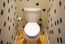 Badezimmer / Das Badezimmer wird immer wohnlicher. Badewanne und Waschtisch werden inszeniert wir früher der Einbauschrank im Wohnzimmer. Wer seine Nasszelle modern und schick gestalten will, findet hier Anregungen.  / by Immonet