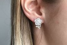Diamond Earrings / New Wave Jewellery's collection of diamond earrings in 18K gold