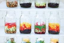 Mason Jar Meals / Mason Jars are everywhere! You can use them to decorate, seal, preserve and best of all hold your meals!  Follow along for lots of meal and treat ideas that you can put in a mason jar!