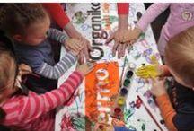"""Termo Organika charytatywnie / Termo Organika rokrocznie z każdej paczki styropianu przekazuje 1 grosz na pomoc potrzebującym dzieciom. To dobrowolne """"opodatkowanie"""" pozwala firmie zebrać kilkadziesiąt tysięcy złotych na wsparcie trzech ośrodków społecznych w Krakowie, Mielcu i Stoku Lackim. Więcej: http://termoorganika.pl/"""
