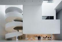 Architektura / ...czyli budynki małe, duże, kolorowe, zaskakujące i nietypowe.