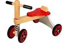 Motoriek / Springin heeft een groot aanbod van loopauto's en -fietsen en ander fantastisch speelgoed op wielen!
