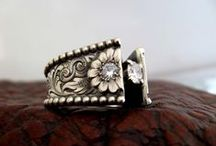 Jewelry / Fabulous new or vintage jewelry designs done with precious metals and stones