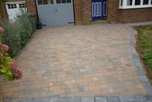 Block Paved Driveways by AWBS Landscaping / A selection of modern and rustic block paved driveways created by the AWBS Garden Landscaping team in Oxfordshire, Wiltshire & Berkshire #BlockPavingIdeas