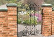 Metal fencing and gates / Stunning galvanised and powder coated metal garden gates and fencing ideas.