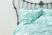 """Agave / 2014-es tavaszi-nyári divatszíneink közül az egyik az """"AGAVE"""" fantázianevet kapta. A táblát ez a szín ihlette."""