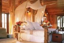 Bedrooms / Beautiful Bedrooms / by Lisa Elifritz