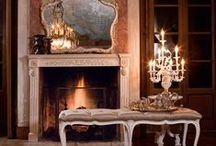 Clasic Giovannini / O colectie speciala conceputa pentru iubitorii clasicului care cuprinde piese de mobilier pentru dormitor, living, dining.   www.galeriilenoblesse.ro