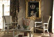 Colectia Harmony / Stilul art-deco este fascinant, iar mobilierul din aceasta colectie va transforma locuinta dumneavoastra intr-un spatiu minunat unde clasicul se imbina cu arta.