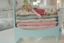 Doll bed/house