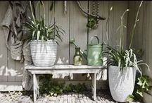 Capi Nature / Lightweight planters with a natural structure: ritmic - warm - rustic
