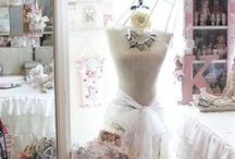 Craft Rooms / Be inspired by the world of Creative Craft Rooms.