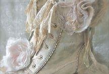 accessoires romantiques: bijoux, chaussures et trucs de filles...